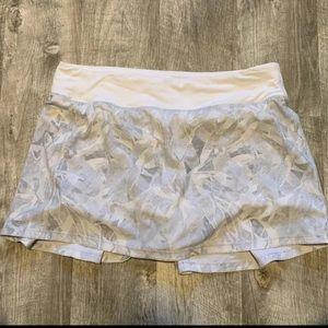Lululemon 8 Pace Rival Skirt Jasmine White Multi